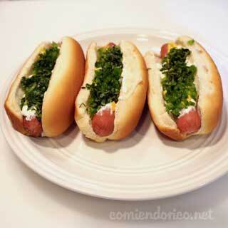 Hot Dogs Con Crema Chile y Cilantro – Comiendo Rico – Video