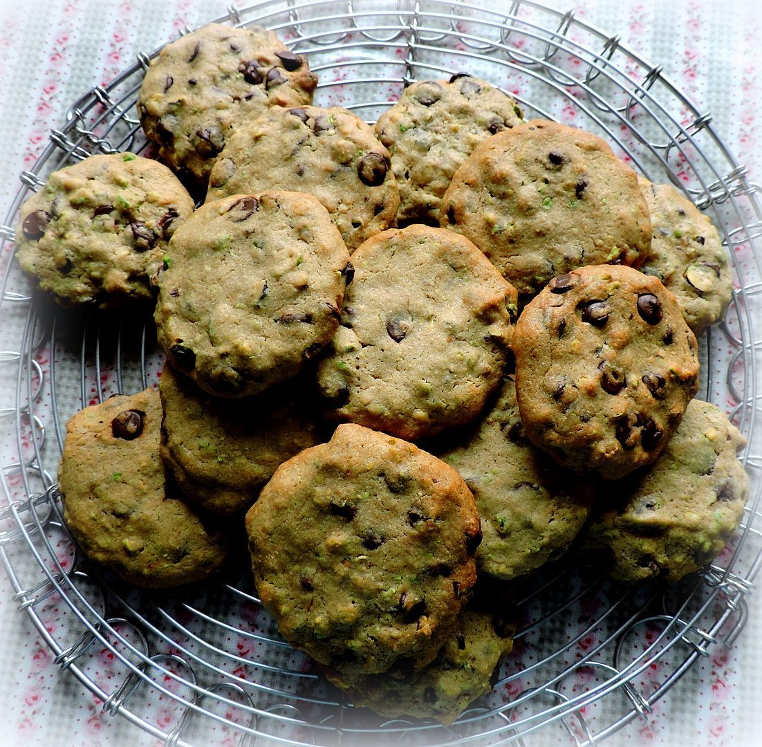 Pistachio and Dark Chocolate Chip Cookies