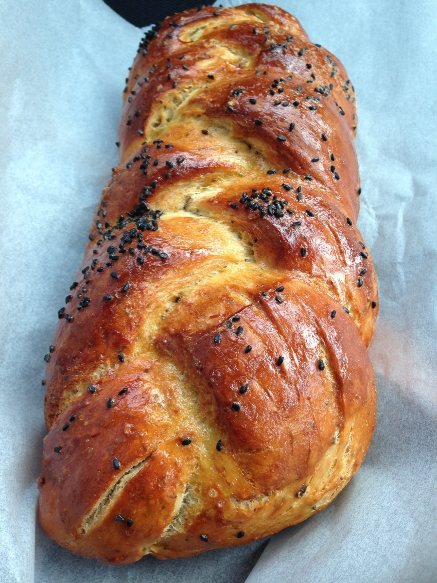 THE BEST  JEW-ISH CHALLAH RECIPE