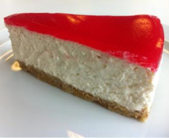 På cheesecake med bær gele på toppen opskrifter - myTaste