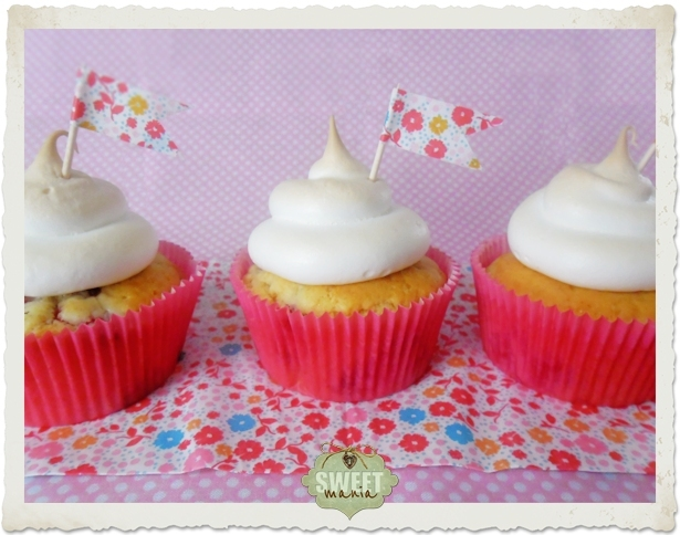 Cupcakes de grosellas y merengue