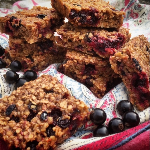 Blackcurrant Oaty Flapjacks