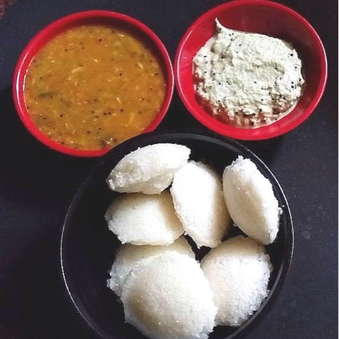 INSTANT POHA IDLI ( AVAL / BEATEN RICE FLAKES )