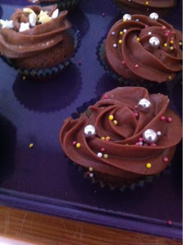 Cupcakes de chocolate y topping de nutella