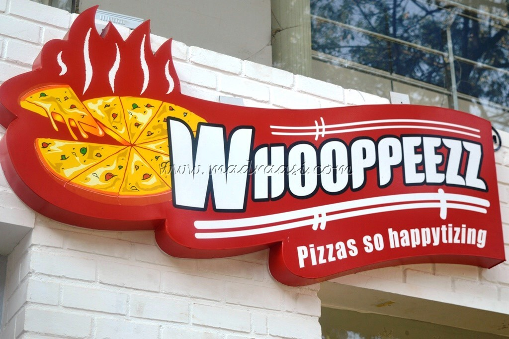 Food Review – Whooppeezz Pizza, Bangalore with FBAB