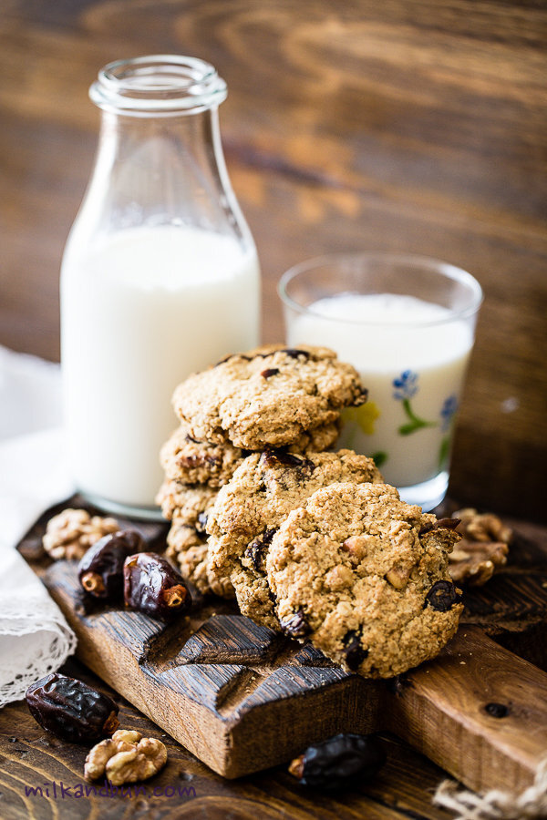 Oatmeal Cookies with dates