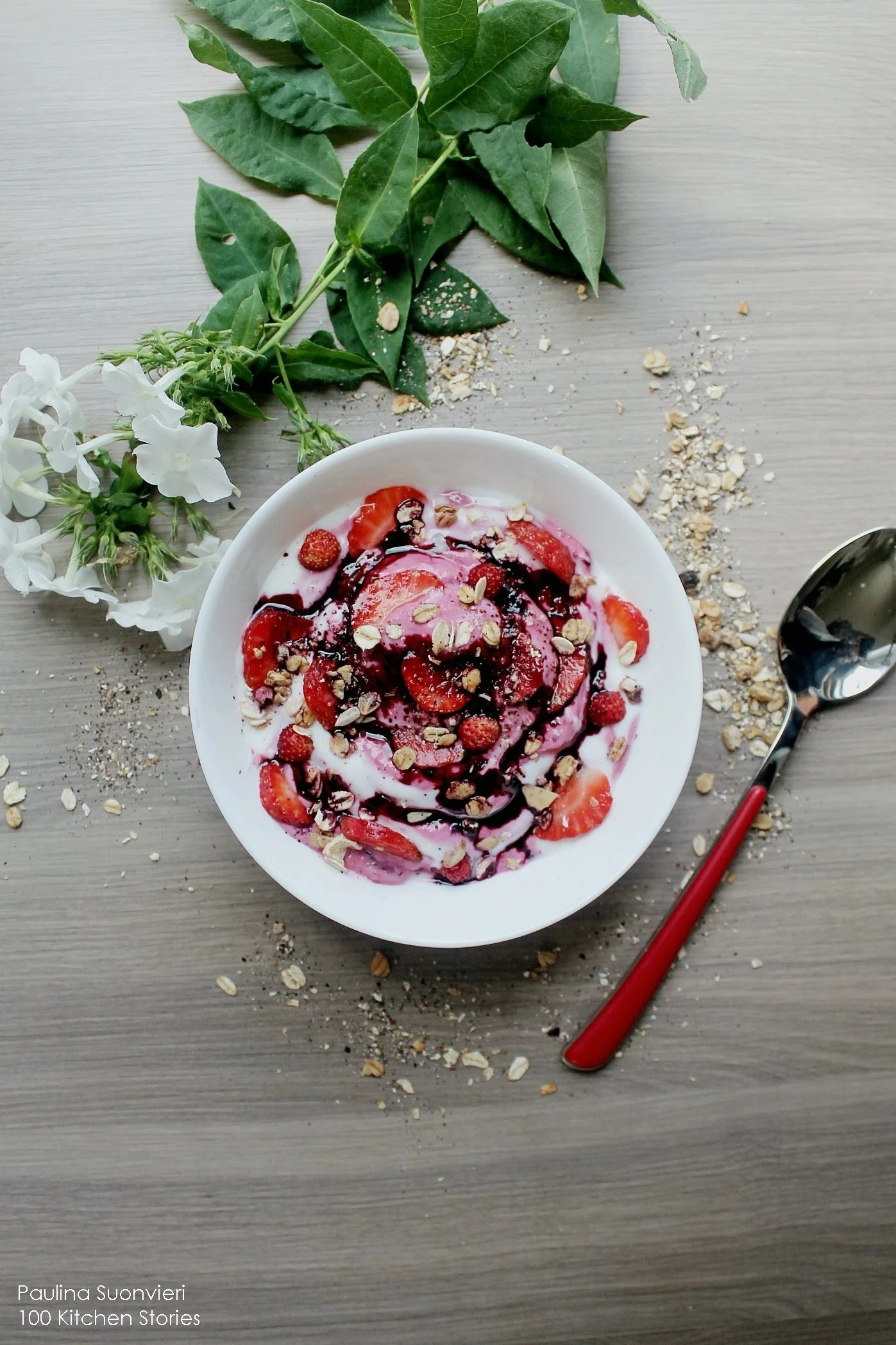 """Queen Berry"" Smoothie Bowl with Fresh Strawberries & Granola Swirl"