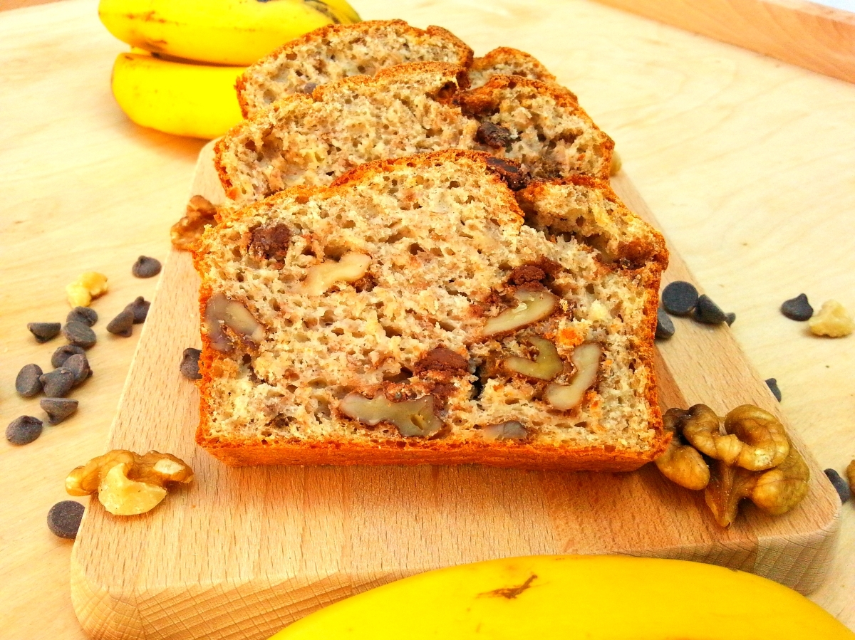 Bizcocho de banana con nueces y chocolate