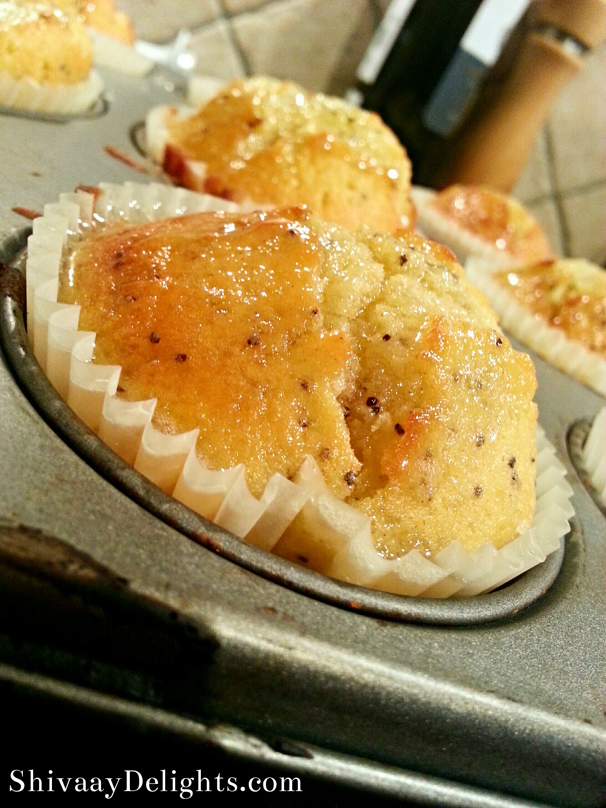 Lemon pop pop…poppy seed muffin cakes
