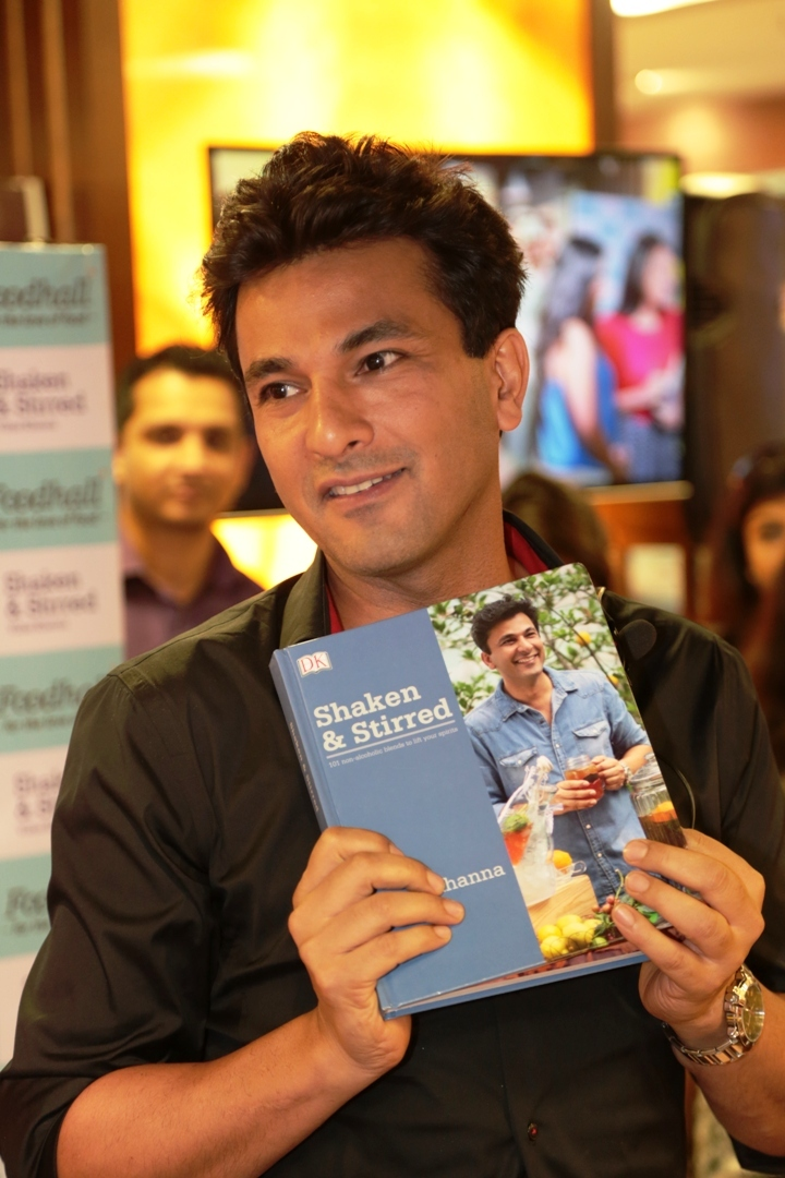 Michelin Star Chef Vikas Khanna Stirs-up Mumbaites at Foodhall, Palladium