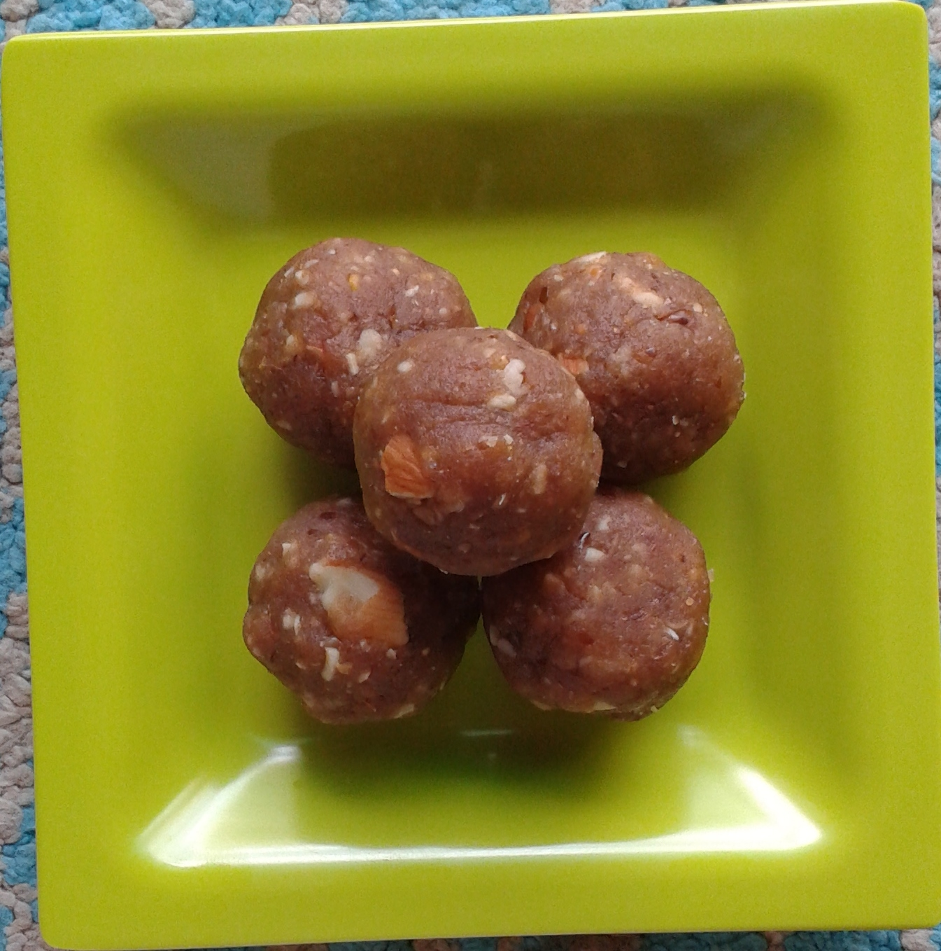 Dry Fruits Ladoos