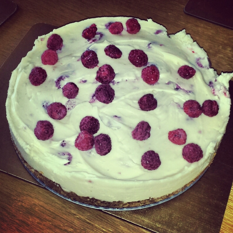 Things I have been cooking lately #74: White chocolate and raspberry cheesecake