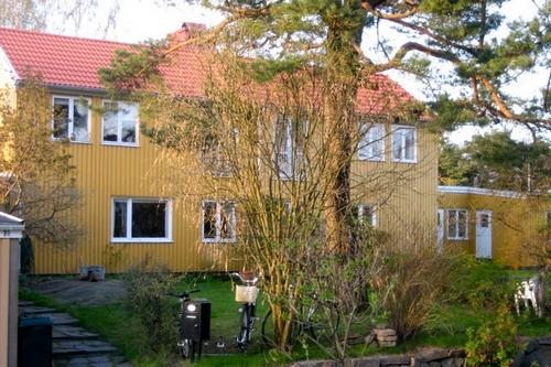 Centralt RUM i radhus i natursköna och Björkekärr