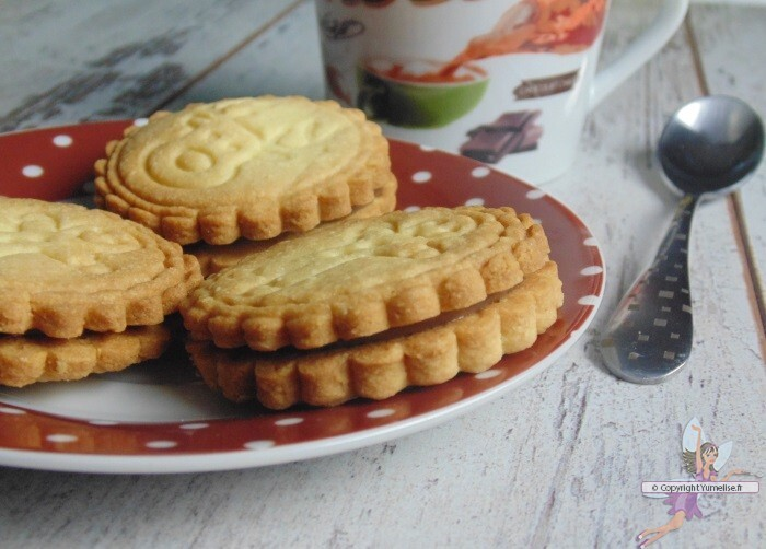 Biscuits fourrés au Nutella