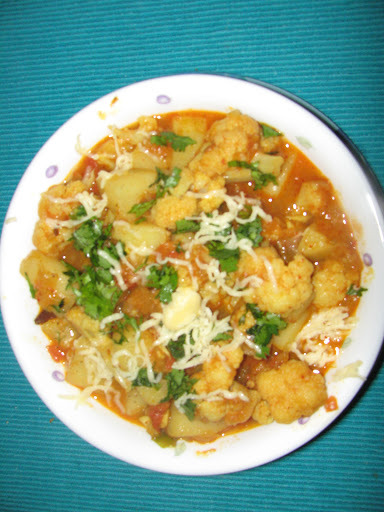 Aloo Gobi (Potato n Cauliflower curry)