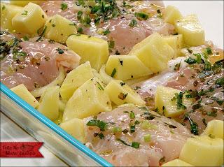 Peixe Assado com Batatas e Ervas
