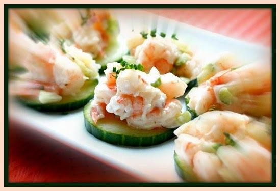 Finger food - Canapés de camarão com pepino