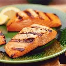 acompanhamento para salmão grelhado