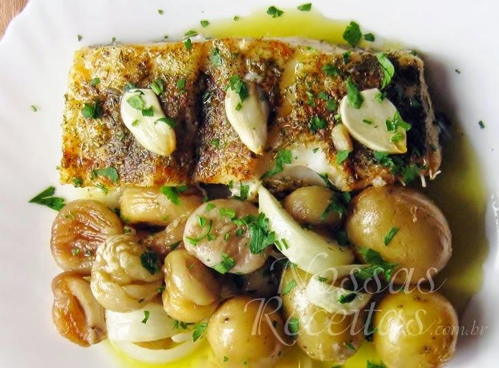 Bacalhau assado com batatas e castanhas