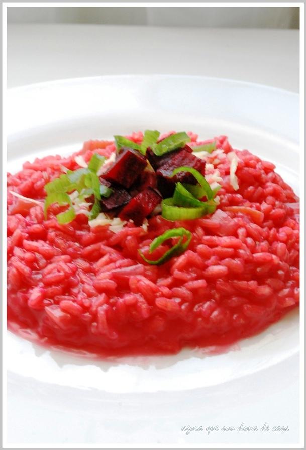 deliciosamente colorido: risoto de beterraba