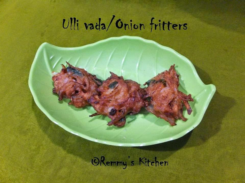 Ulli vada /Onion fritters