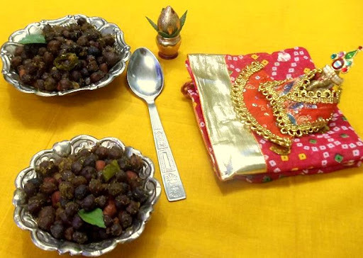 sukha kala chana / black chicpeas dry curry -  for Ganesh chathurthi