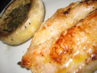 Filetes de pavo con champiñones al pesto