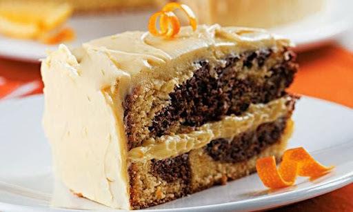 Bolo de laranja mesclado de chocolate