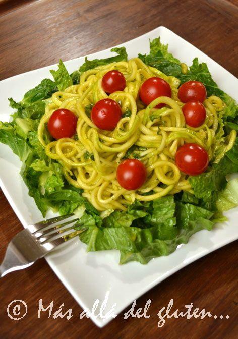 Espaguetis de Zucchini con Salsa Cremosa de Ajo (Receta SCD, GFCFSF, Vegana, RAW)