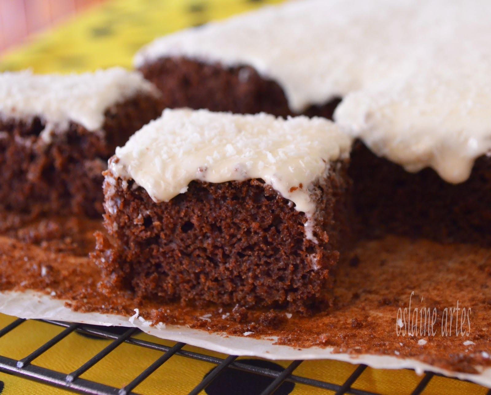 cobertura de bolo com leite condensado e emulsificante e creme de leite