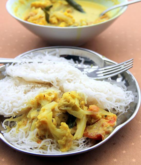 Sodhi (Vegetable in coconut and soya milk) Side dish for Idiyappam /Sevai / Idiyapam