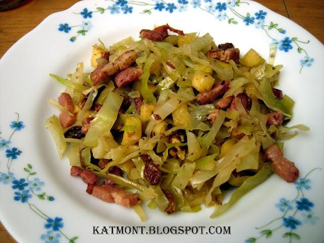 salada de repolho cru com bacon