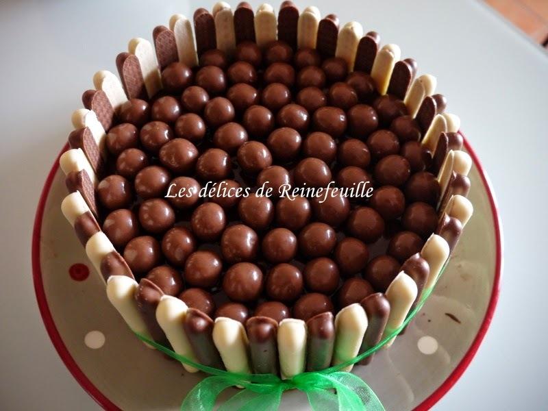 Gâteau tout chocolat, déco fingers