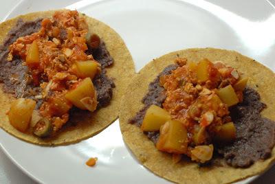Tacos de tofu ahumado a la veracruzana (30 minutos)