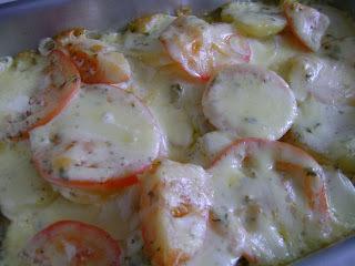 File de peixe cozido com creme de leite e batata