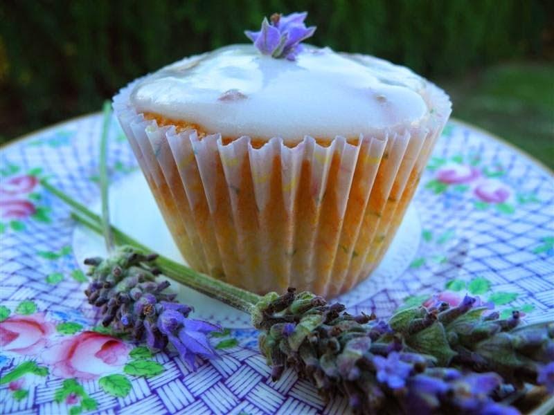 Cupcakes de almendras con lavanda