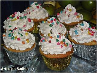 Cupcake de laranja  com cobertura de chantily Tirolez