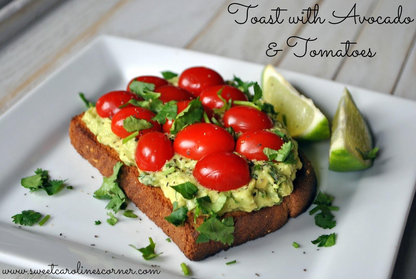 Toast with Avocado & Tomatoes (Torrada com Abacate e Tomatinhos)