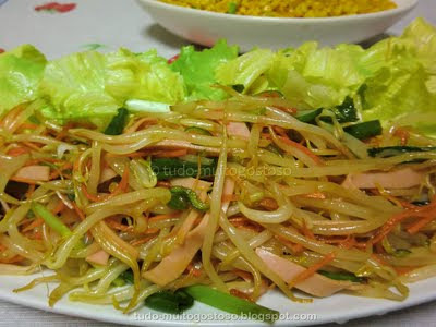 Salada de moyashi