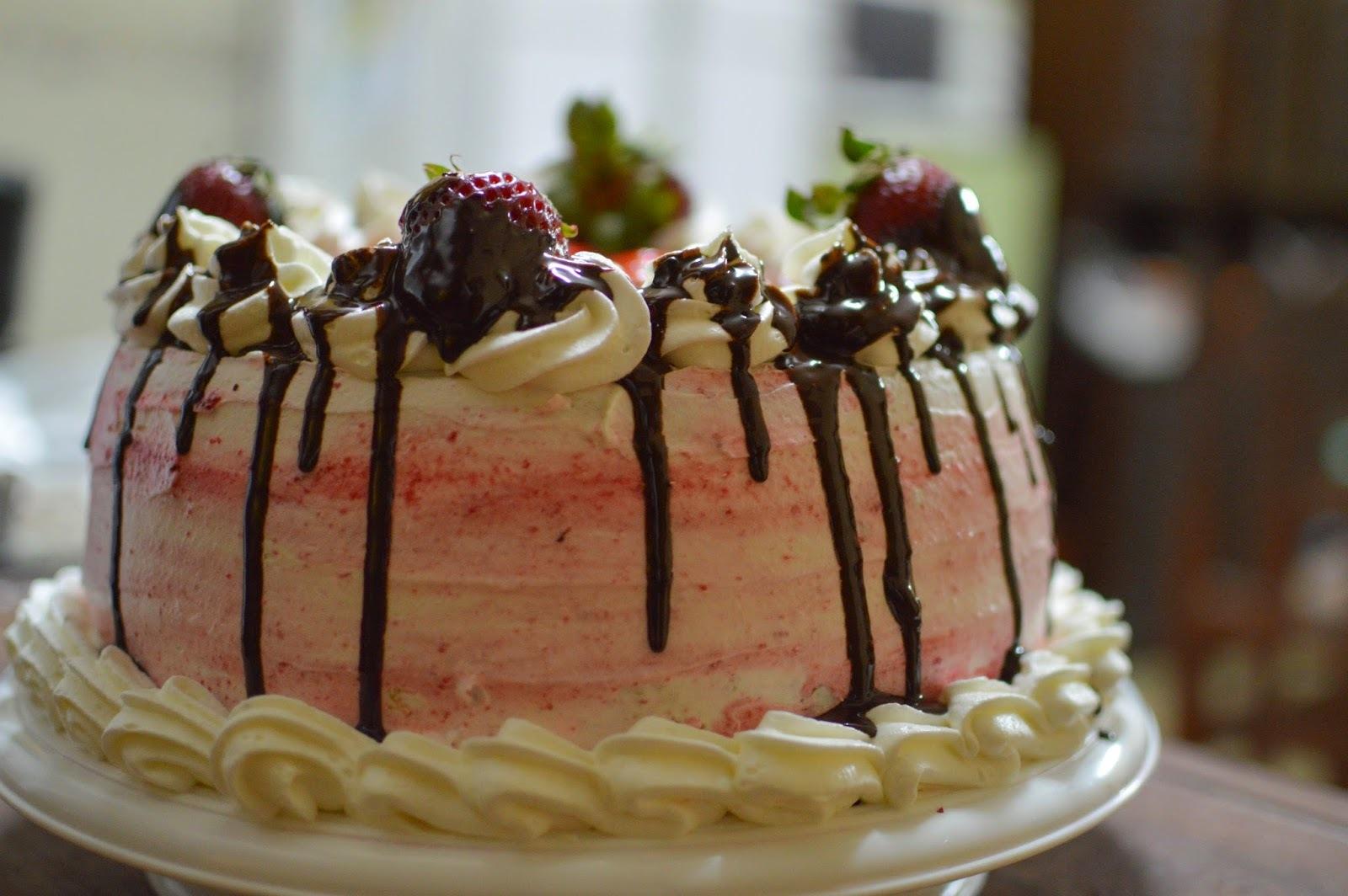 Torta de frutillas | Cómo decorar una torta