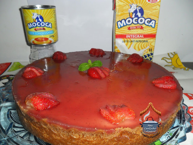 TORTA DE CREAM CHEESE COM MORANGOS