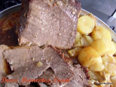 Carne Assada com Batatas (marido na cozinha)