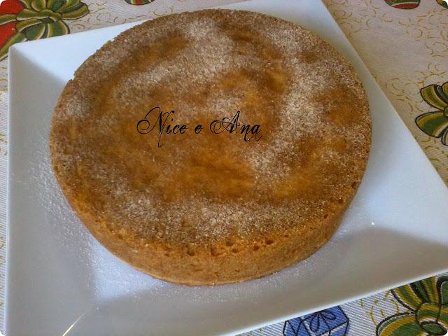 bolo simples e fofo com pessego na massa