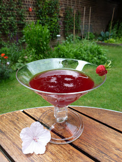 Cocktail 'Red lover' : fraise, griotte, violette