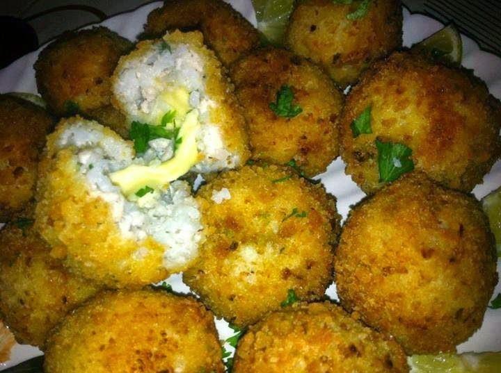 Recette des croquettes de riz au blanc de poulet haché et au fromage