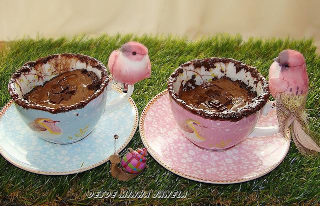 Bolinho na xícara de microondas com Nutella