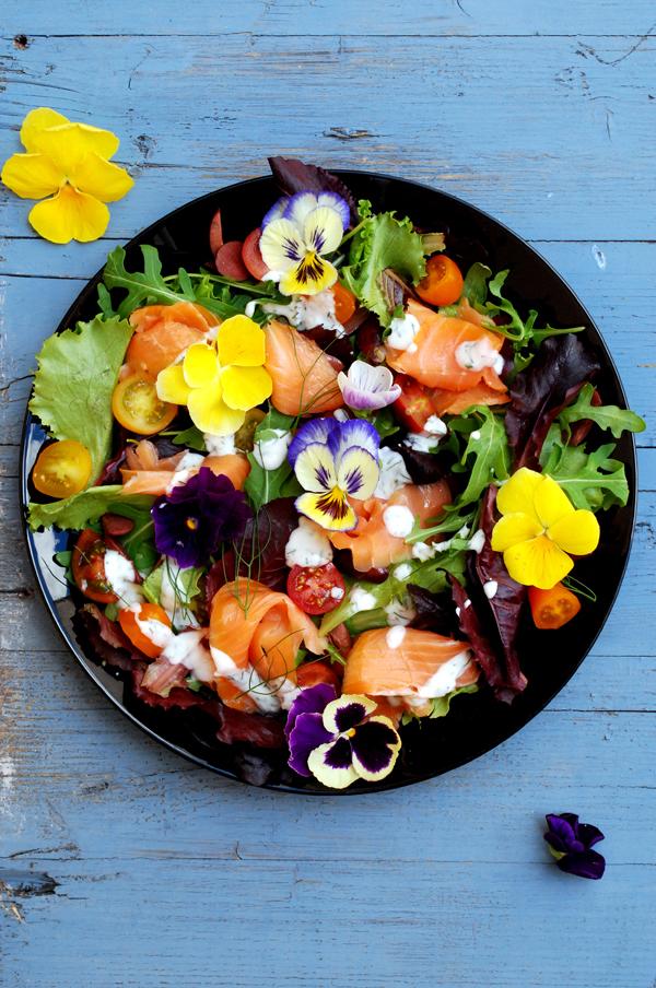 ensalada de salmón ahumado y flores #ponunaensalada