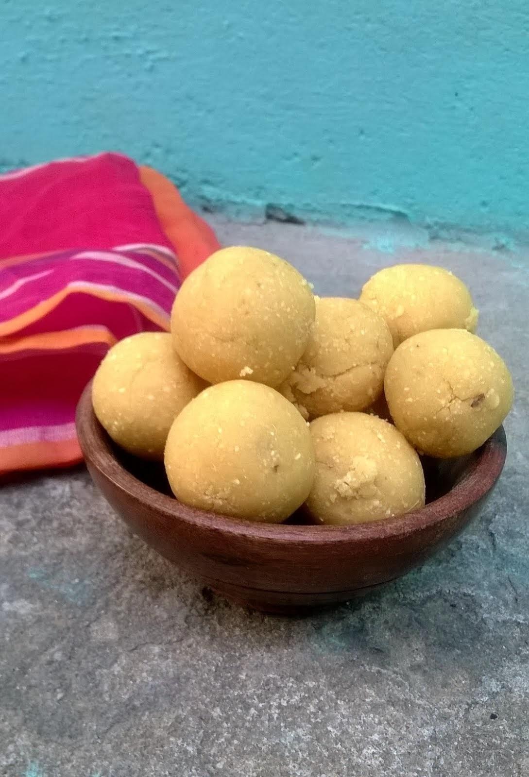 Pottukadalai Urundai | Roasted Gram Balls