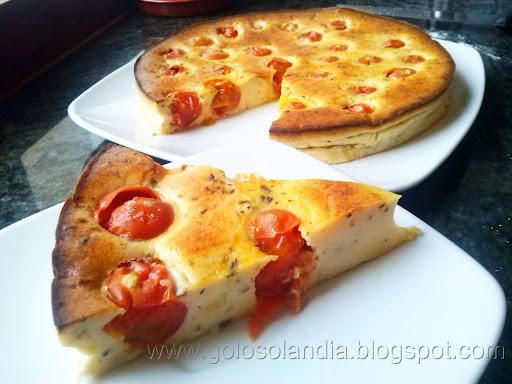 Pastel salado de queso y tomates cherry (tarta salada)
