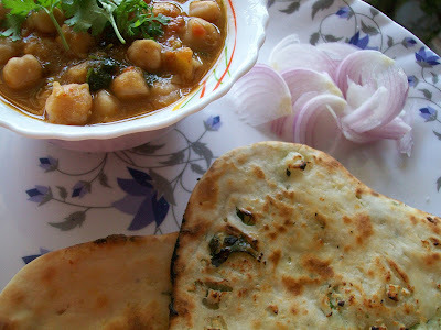 Chhole With Paneer Kulche - Solid Punjabi Brunch